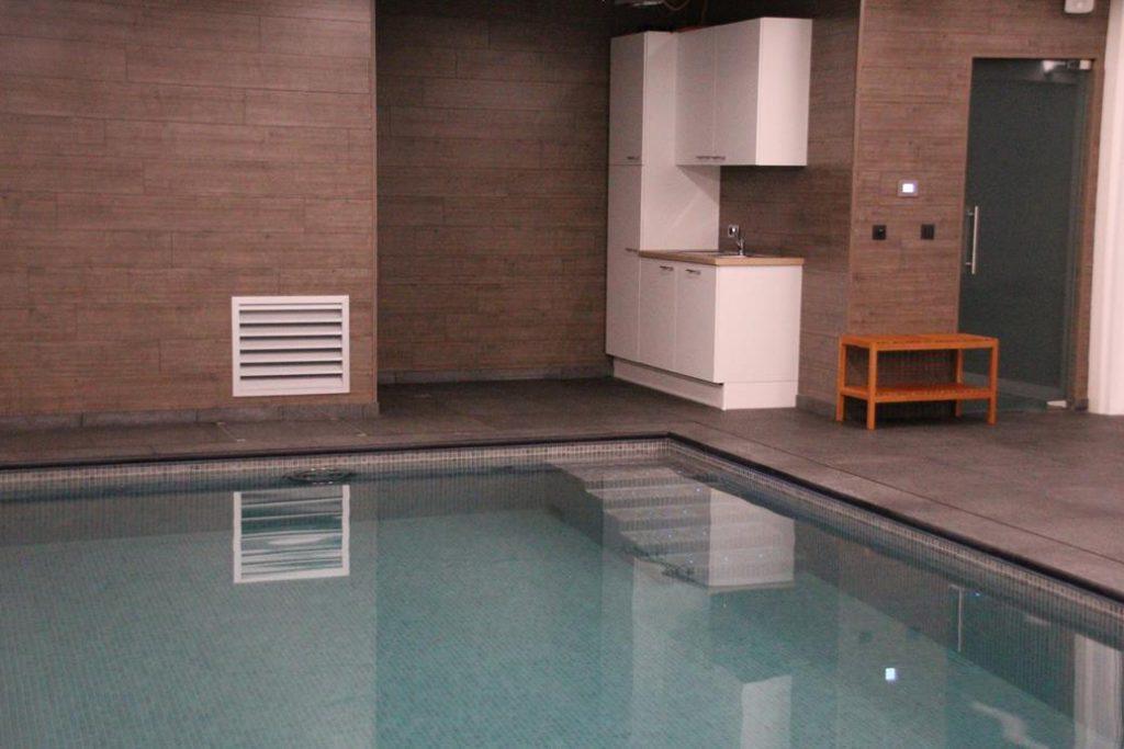 indoor pool, kitchen